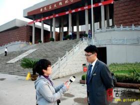 CDTV《寻访川军抗战足迹》来古城台儿庄拍片(图)