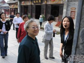 台儿庄:原山东省人大常委会副主任徐建春来古城参观