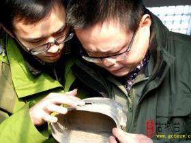 【图文】中国人民抗日战争纪念馆来台儿庄寻访大战实物收藏者谢伟