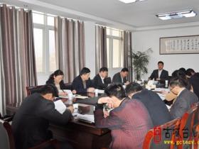 台儿庄区邳庄镇进行党的群众路线教育实践活动第一次集中学习(图)