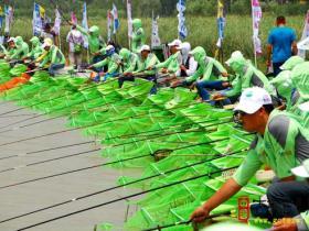 2014第二届中国•台儿庄河钓大赛正在进行中(图)