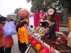 摄影报道:台儿庄古城涌动玫瑰情