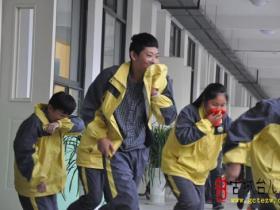 枣庄三十九中:防火常识进校园 自防自救保安全(图)