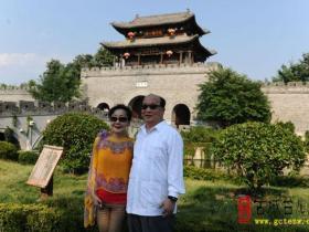 中国国民党副主席胡志强一行来古城台儿庄考察