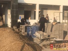 台儿庄区城市管理局集中拆除多处违法建筑(图)