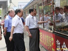 副市长刘吉忠昨天来台儿庄区督查创卫工作(图)