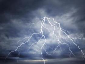 尼泊尔三人遭闪电击中遇难