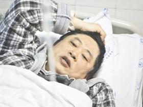 挂尿袋做手术医生回应争议