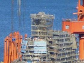 媒体:国产航母或海军节下水