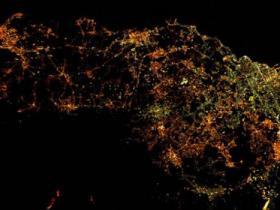 太空观测意埃特纳火山爆发