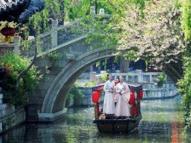 """中国旅游日:在台儿庄古城体验""""文旅融合,美好生活""""新时代"""