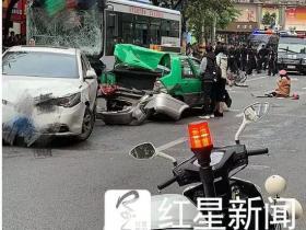 福建公交车被劫持 目击者:车飞快 车底还拖着人