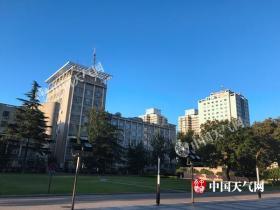 北京今天晴空当头阵风五级 需防晒防风