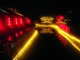 桨声灯影,台儿庄古城的夜是一场不愿醒来的美梦!