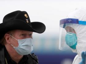 """美国确诊人数世界第一,纽约大建停尸房,中国终于""""封国""""了……"""