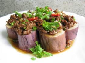 肉末蒸茄子,腊肠炒萝卜干,香菜爆炒牛百叶,川汁烧虾