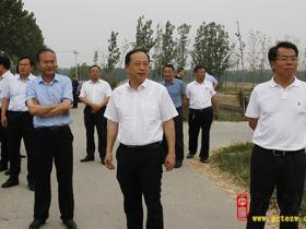 韩耀东督导三夏防火工作并对经济运行情况进行调研
